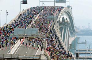 ちばアクアラインマラソン公式発表抜粋(完走者数、完走率、優勝者、天候等)